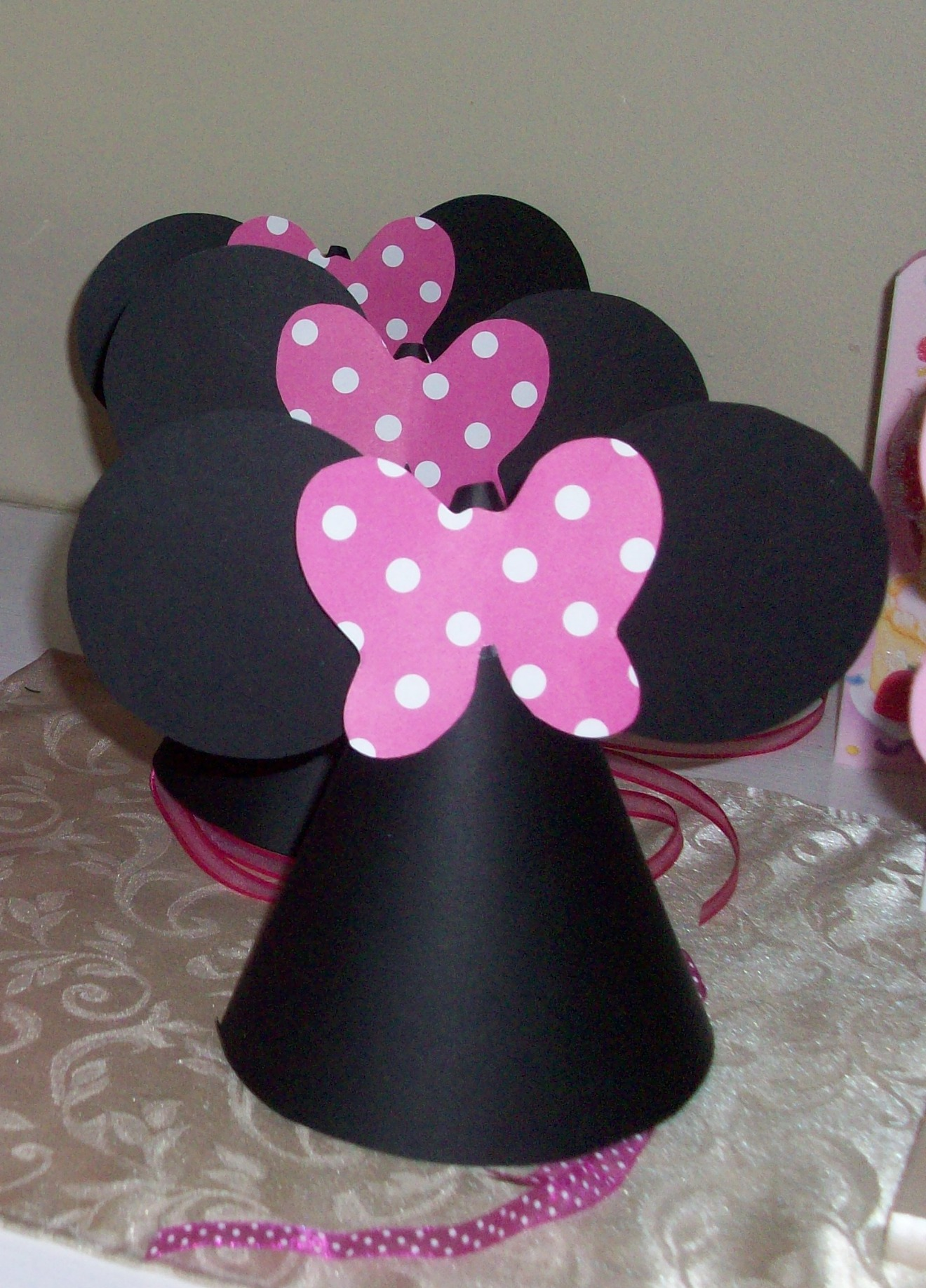 From A Catch My Party Member   How To Make Minnie Mouse Party Hats