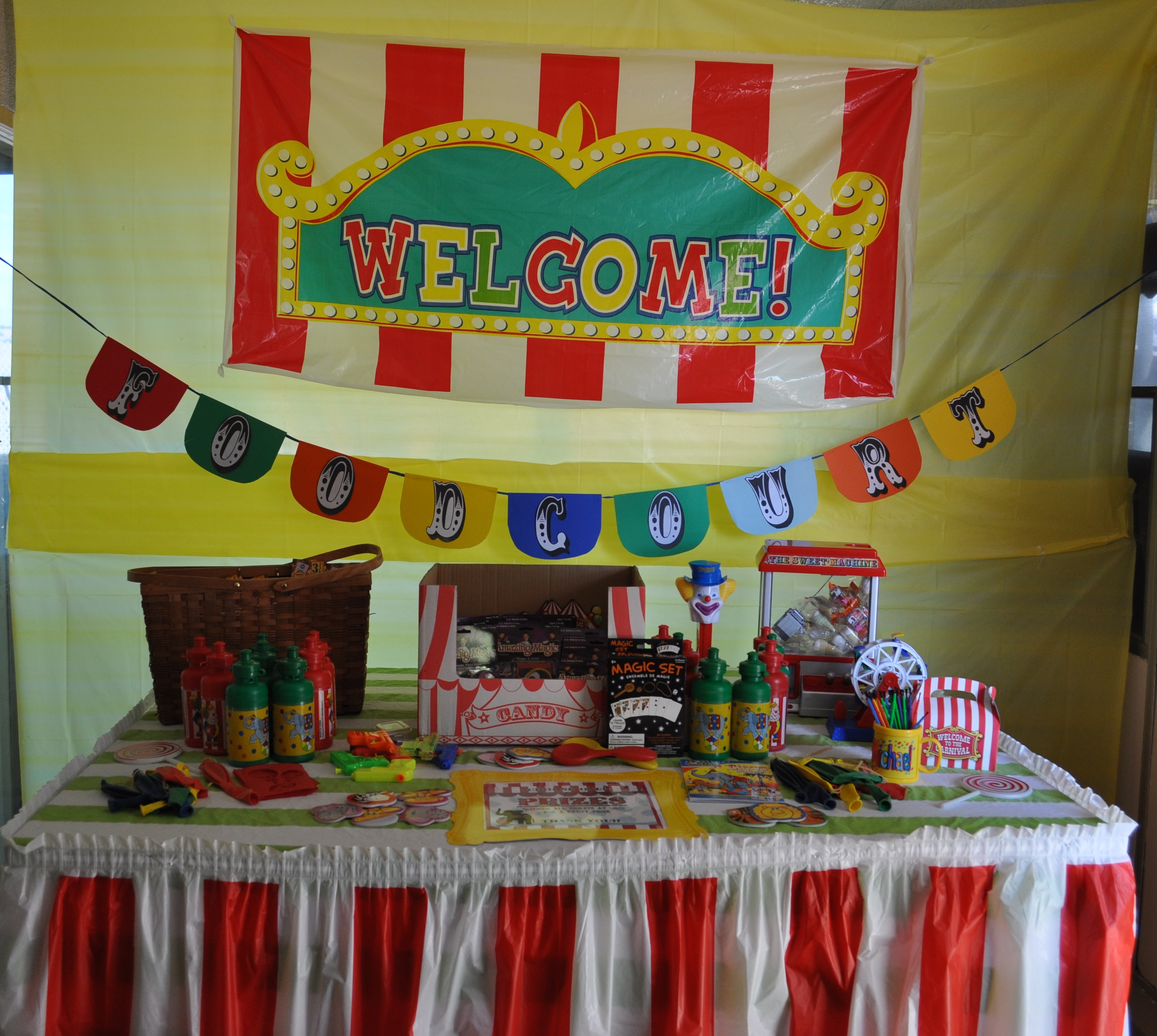PARTY ON A BUDGET: Backyard Carnival Party | Catch My Party