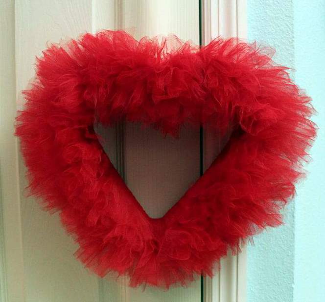 Diy How To Make A Tulle Heart Wreath Catch My Party