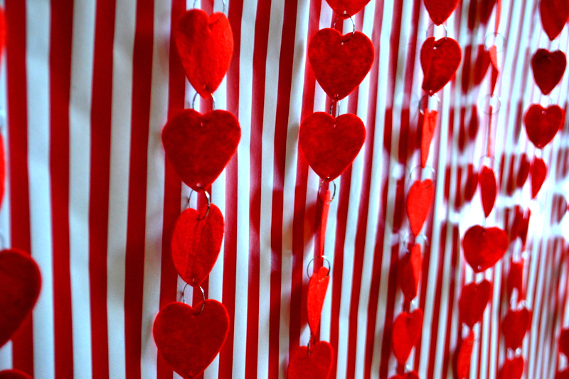 diy how to make a heart backdrop for valentines day - Valentines Backdrops