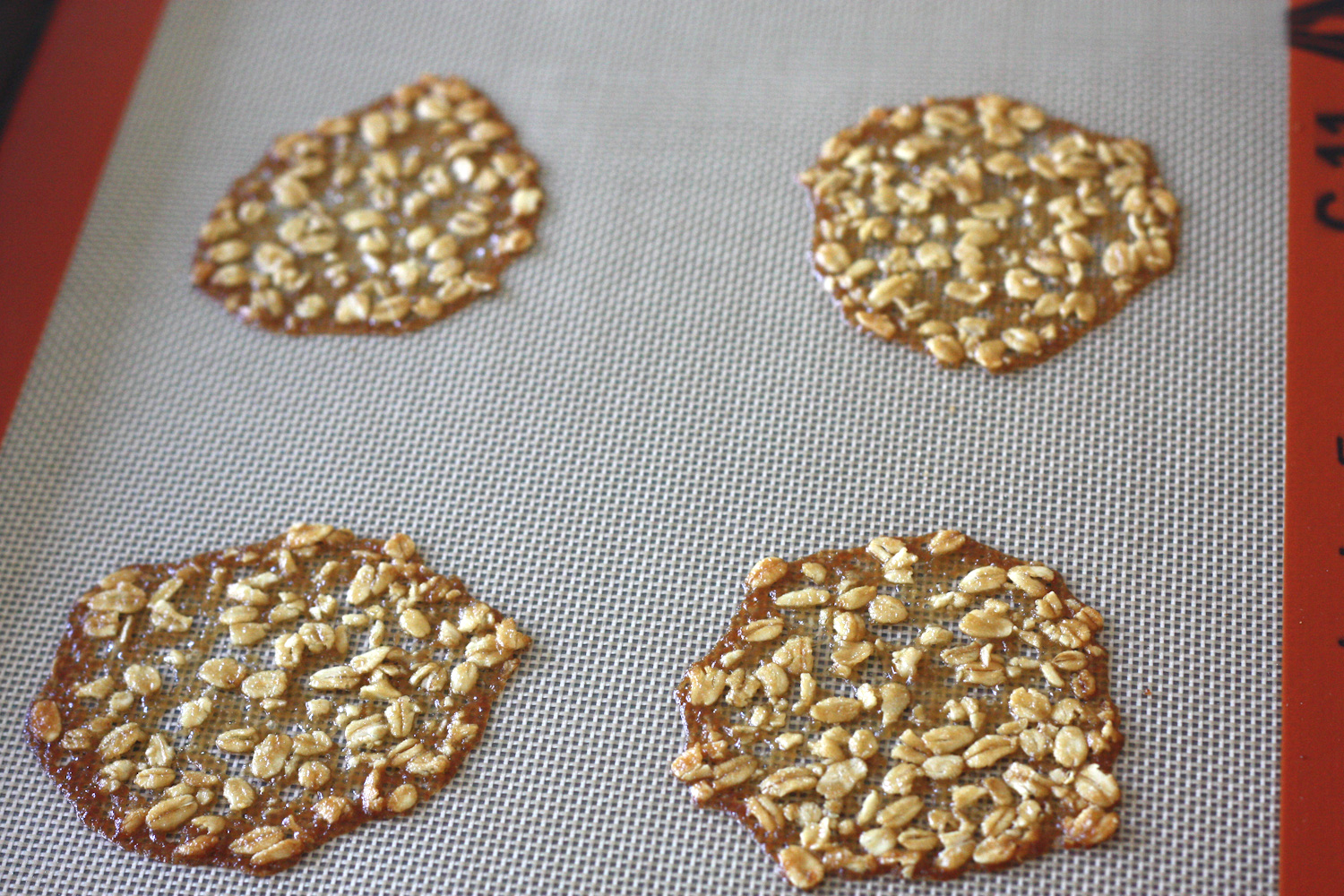 RECIPE} Irish Oatmeal Lace Cookies | Catch My Party