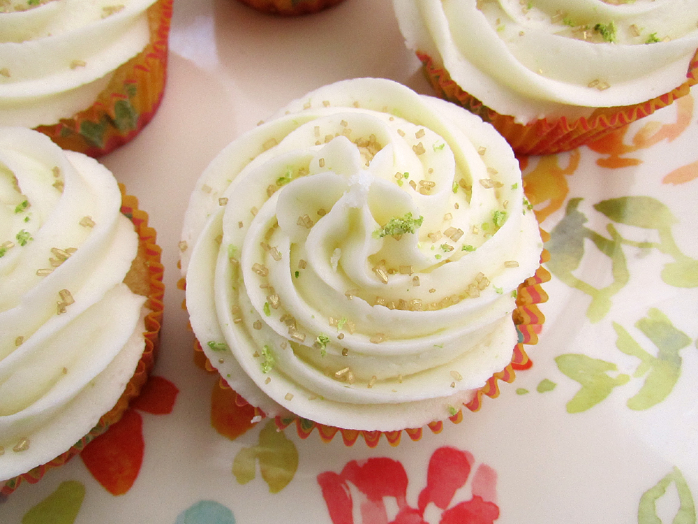 RECIPE} Coconut Lime Cupcakes for Cinco de Mayo | Catch My Party