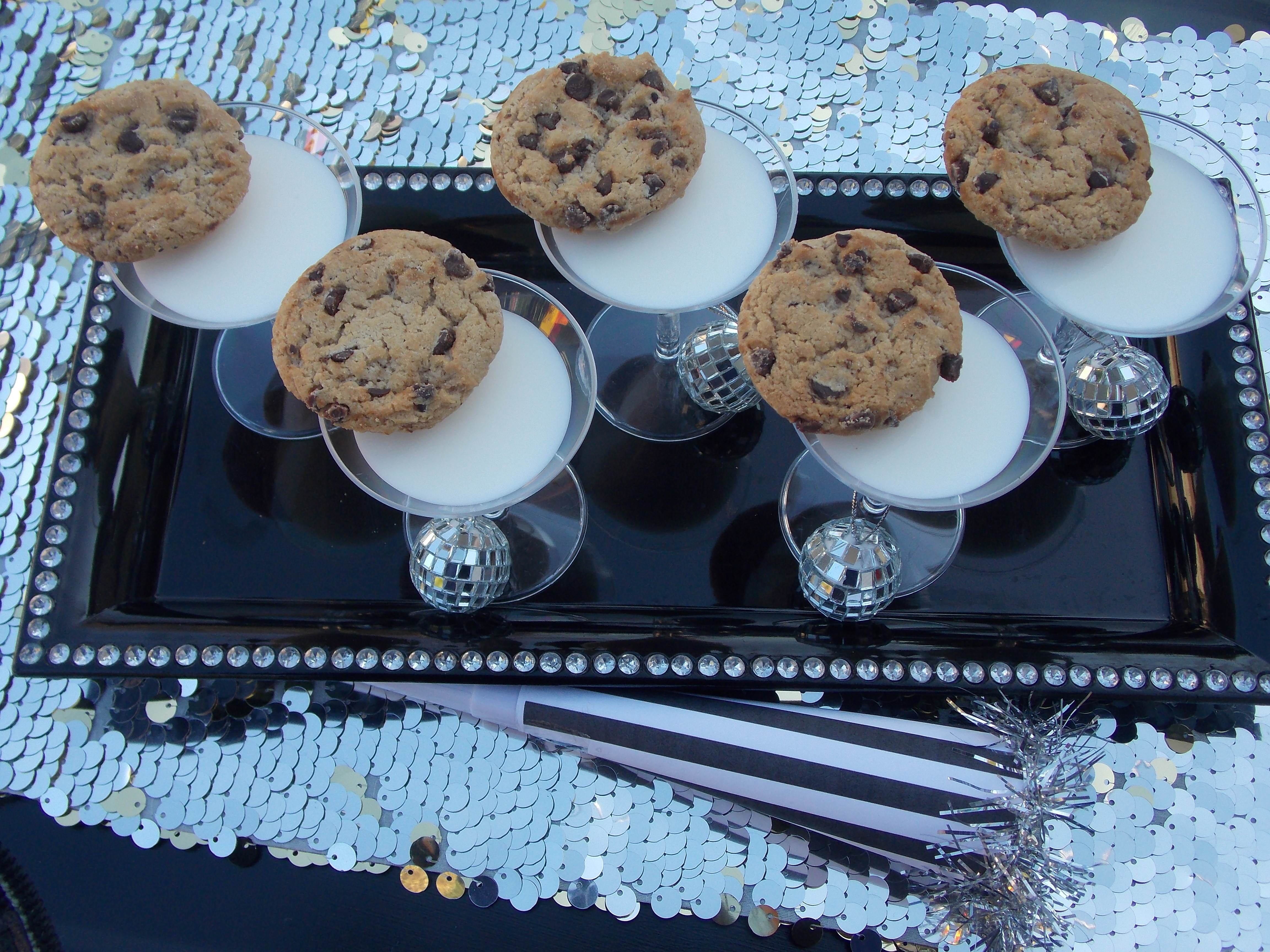 Easy Kid-Friendly New Year's Eve Party Ideas   Catch My Party