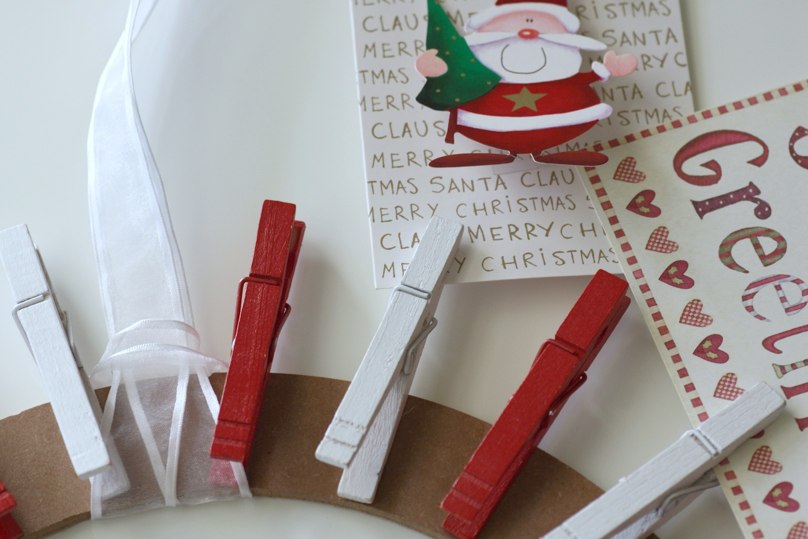 Clothespin Christmas Card Wreath DIY