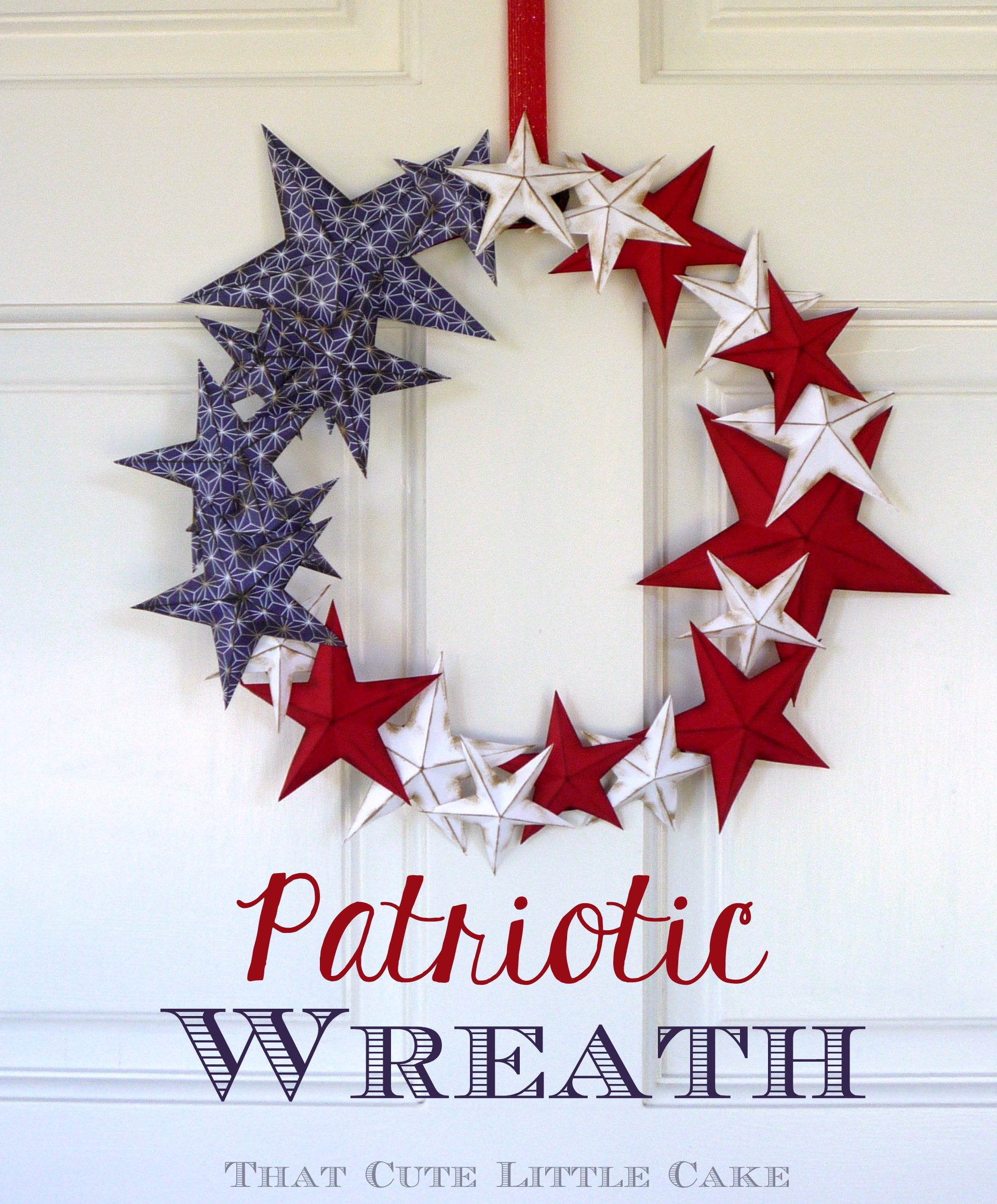 Patriotic july 4th paper wreath diy catch my party for Americana crafts to make