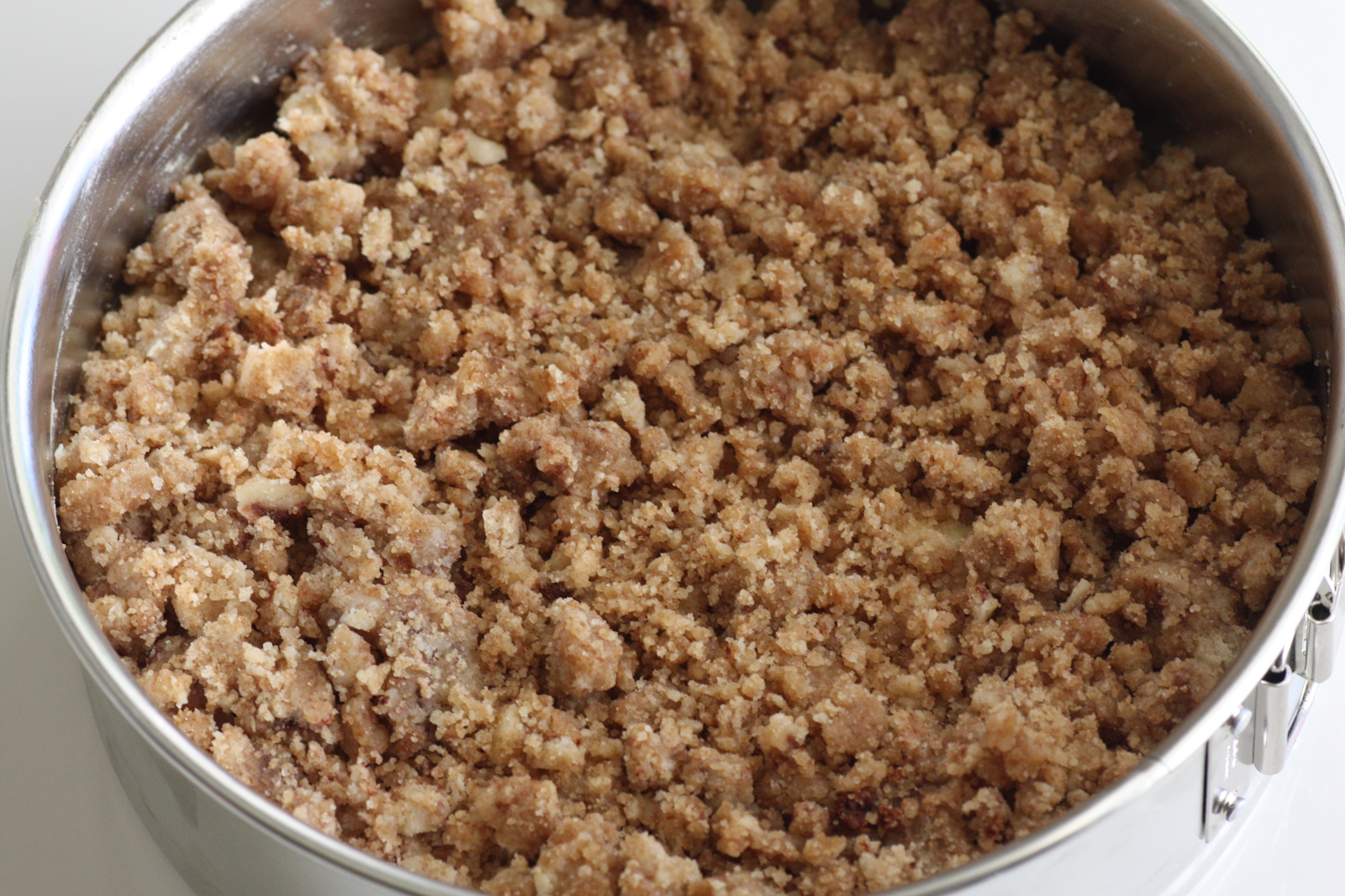 Make Apple Crumble Cake