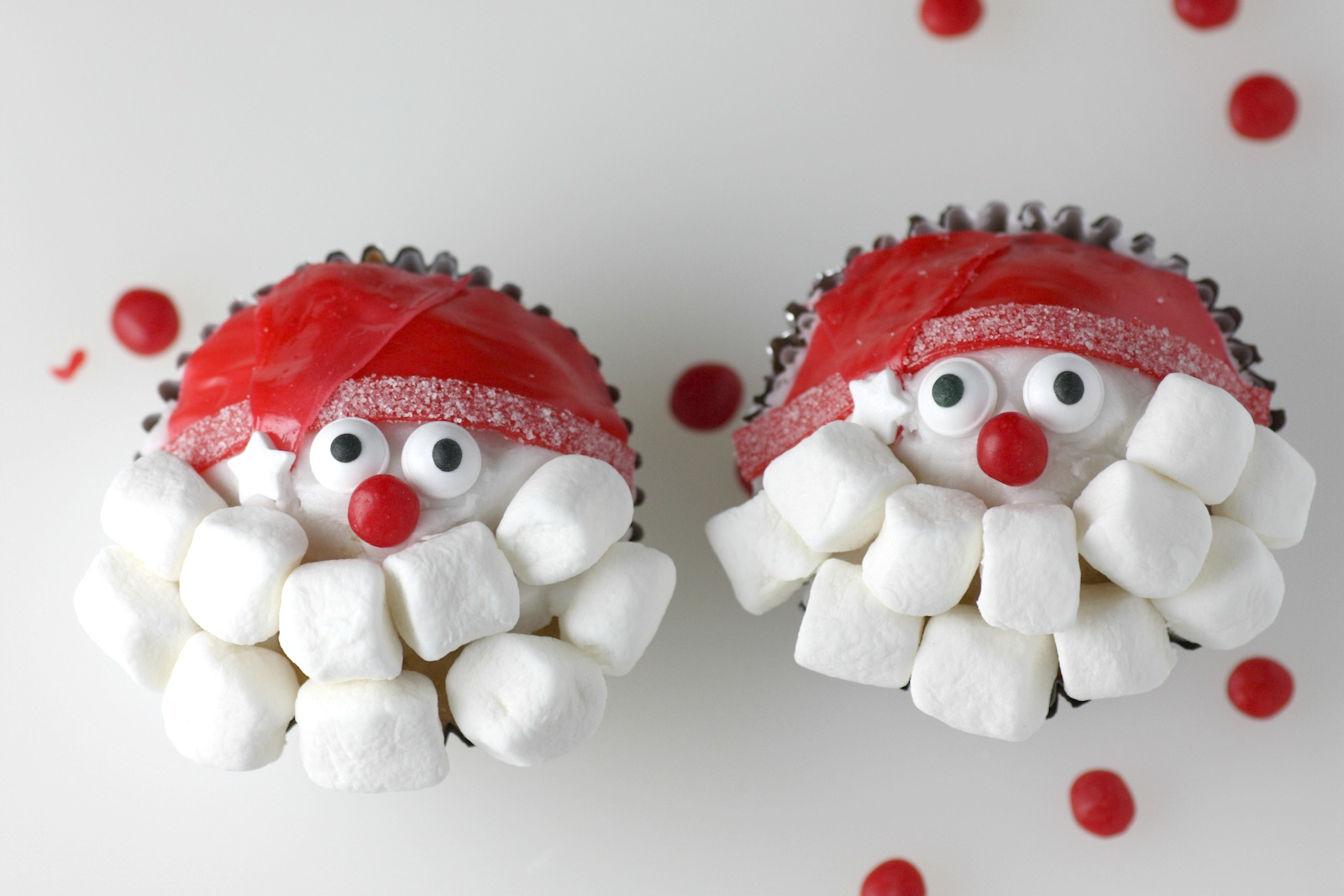 santa claus cupcakes diy catch my party. Black Bedroom Furniture Sets. Home Design Ideas