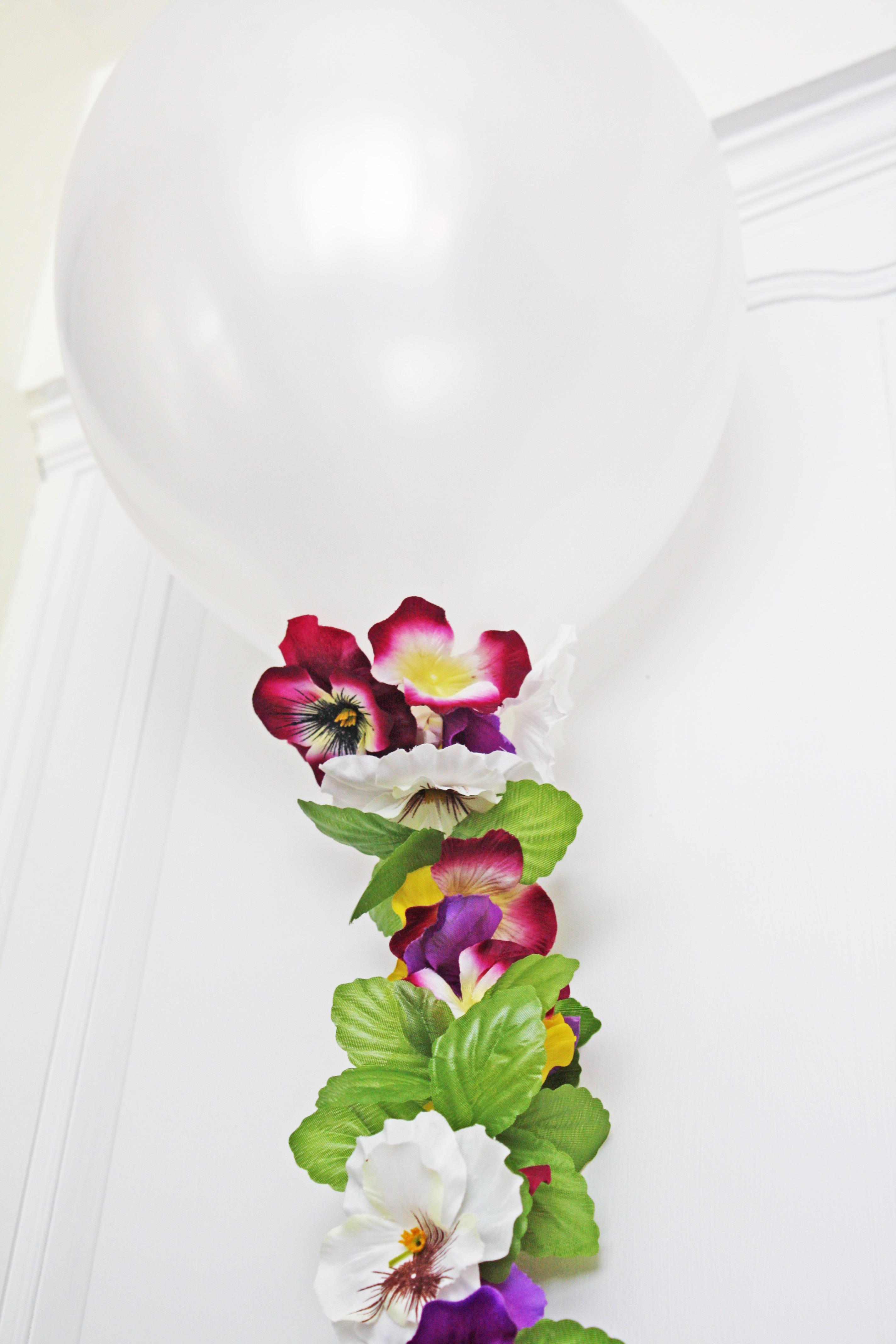 Balloon Flower Garland Catch My