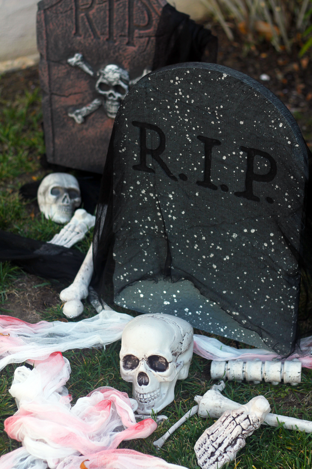 The Easiest Scariest Halloween Decorations Catch My Party
